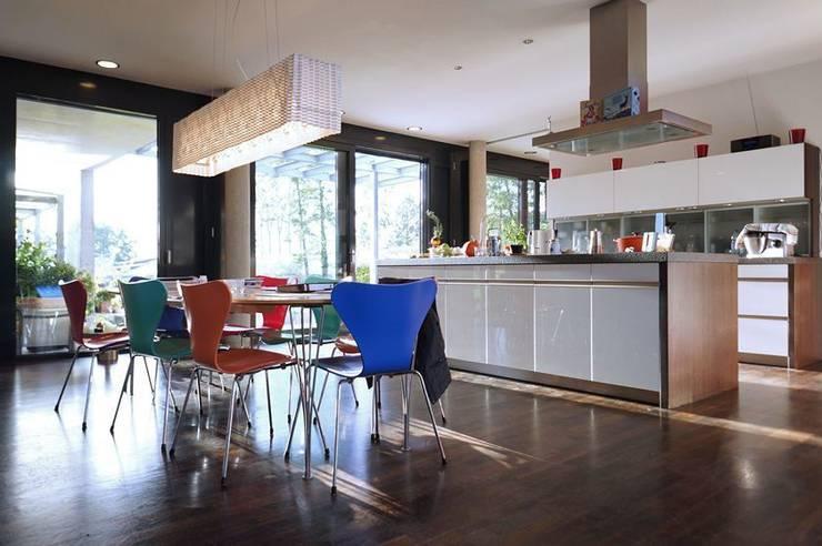 Cocinas de estilo  por Architekten Lenzstrasse Dreizehn