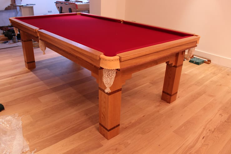 8 ft Walton Table with red cloth:  Dining room by HAMILTON BILLIARDS & GAMES CO LTD