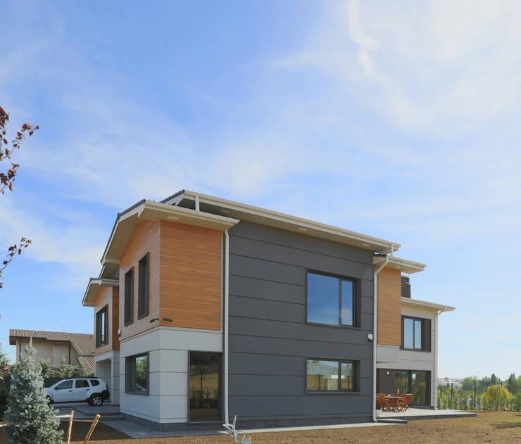 Projekty,  Domy zaprojektowane przez Bilge Çınar Orman Ür. ltd.şti