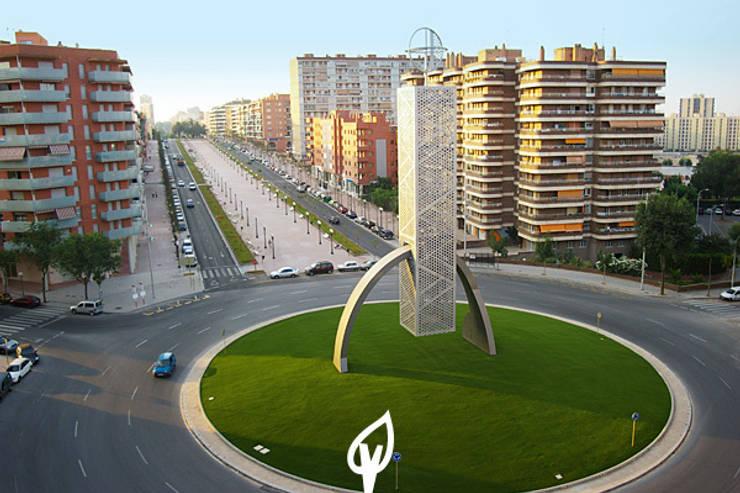 rotonda tarragona: Espacios comerciales de estilo  de Verdalia