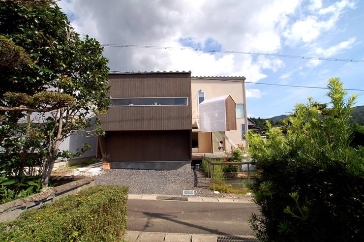 外観: ARCHIXXX眞野サトル建築デザイン室が手掛けた家です。