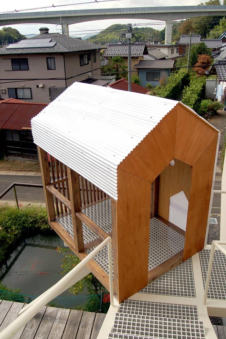 Salas multimedia de estilo  de ARCHIXXX眞野サトル建築デザイン室, Ecléctico