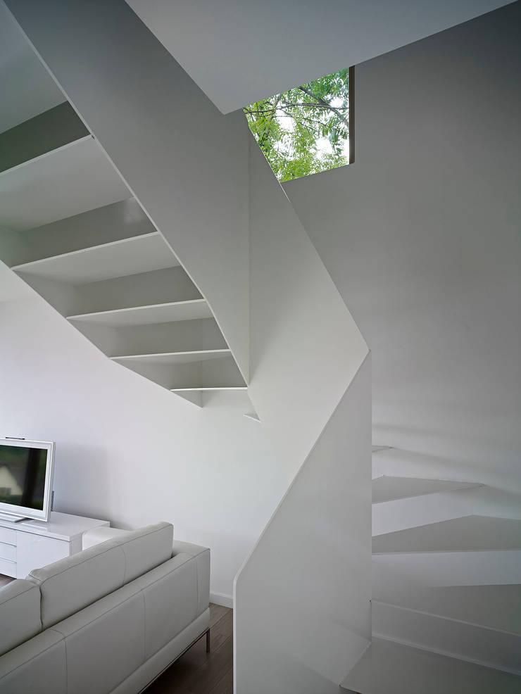 Construction d'une maison individuelle Mur Ossature Bois, Altkirch : Maisons de style  par LPAA
