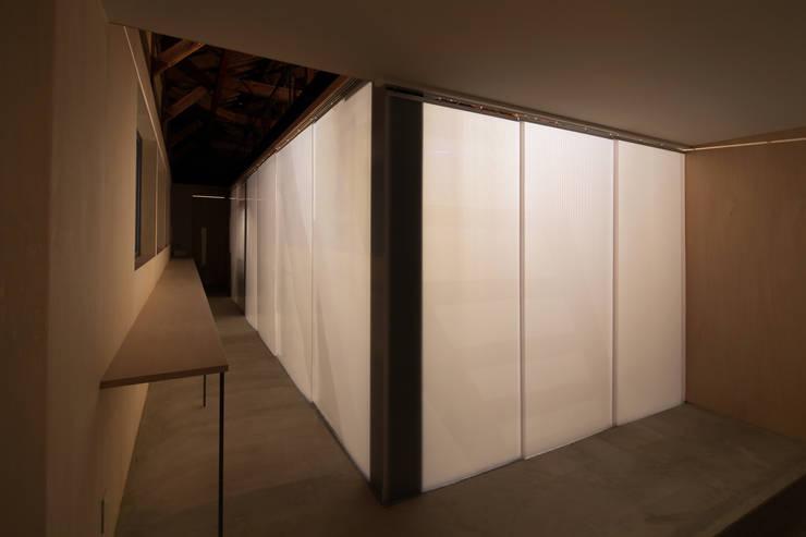 スタディコーナー: ARCHIXXX眞野サトル建築デザイン室が手掛けた書斎です。,オリジナル