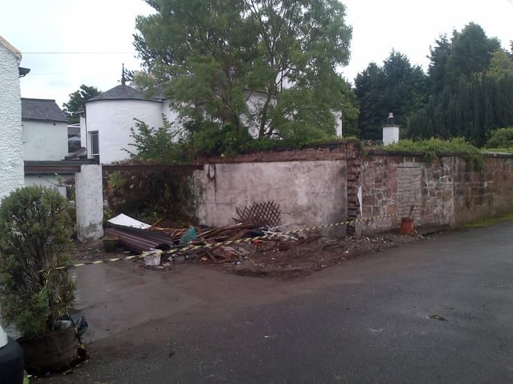 Demolition & Build 根據 Strong Point Property Ltd