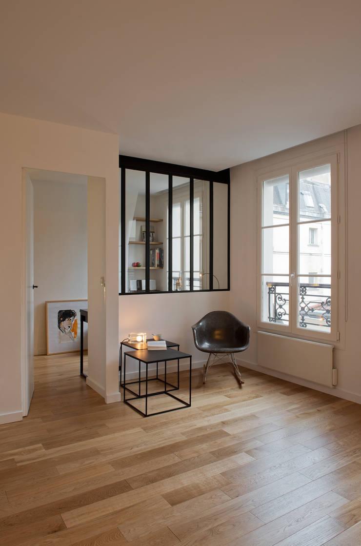 Le salon: Salon de style  par MELANIE LALLEMAND ARCHITECTURES