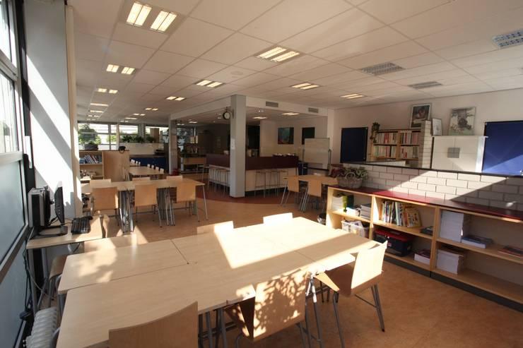 Beroepenplein - afdeling Zorgplein :  Scholen door Architectenbureau Van Hunnik, Lambrechts en Overduin
