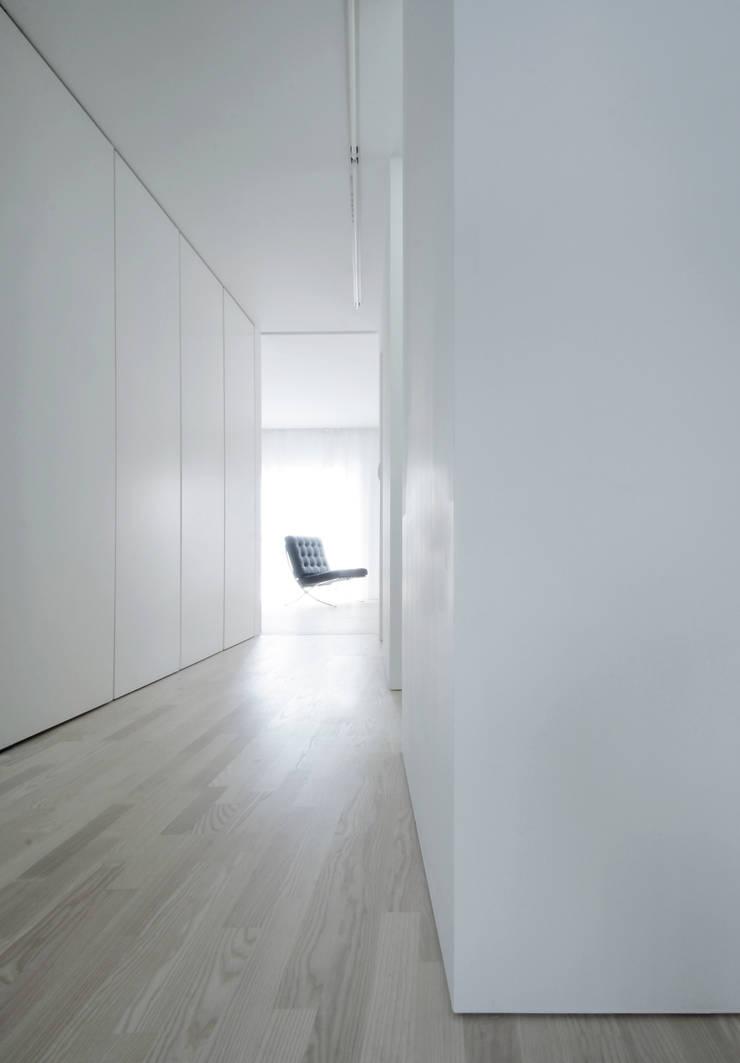House for Installation: Jun Murata   |   JAMが手掛けた廊下 & 玄関です。