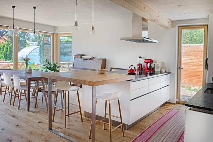 Kitchen by AL ARCHITEKT - Architekten in Wien