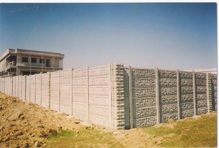 BAHÇE DEKOR Beton Bahçe Elemanları ve Gıda San. Tic. Ltd. Şti. – 240 cm yükseklikte ki site duvarı görseli:  tarz Duvar & Zemin