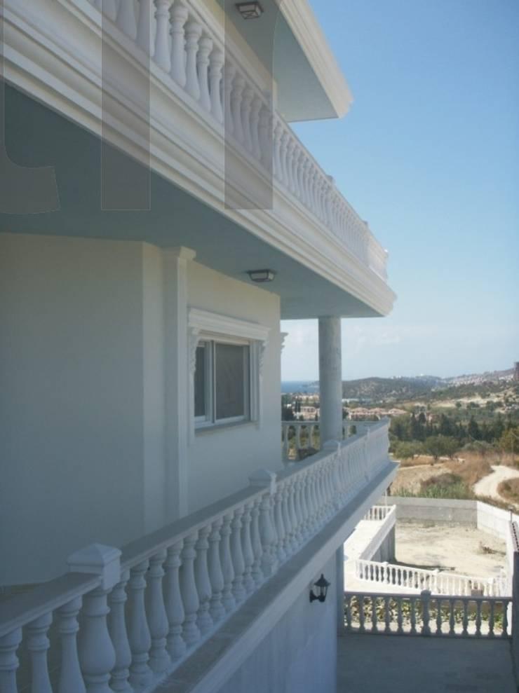 Balconies, verandas & terraces  theo BAHÇE DEKOR Beton Bahçe Elemanları ve Gıda San. Tic. Ltd. Şti.,