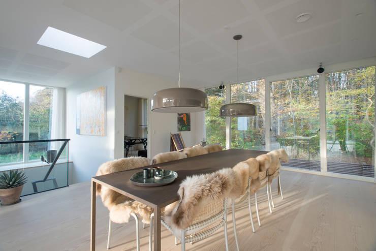 Salas de jantar escandinavas por C.F. Møller Architects