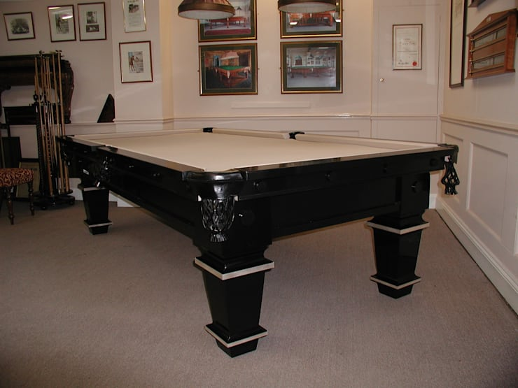 Dining room by HAMILTON BILLIARDS & GAMES CO LTD