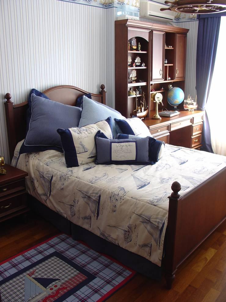 m design  – classic boy bedroom:  tarz Çocuk Odası