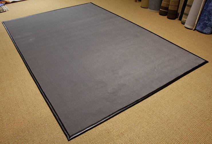 Alfombra de fibra sintética. Modelo Canet.: Oficinas y tiendas de estilo  de Mundoalfombra