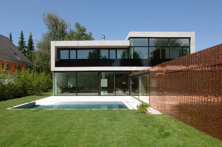Casas  por Früh Architekturbüro ZT  GmbH