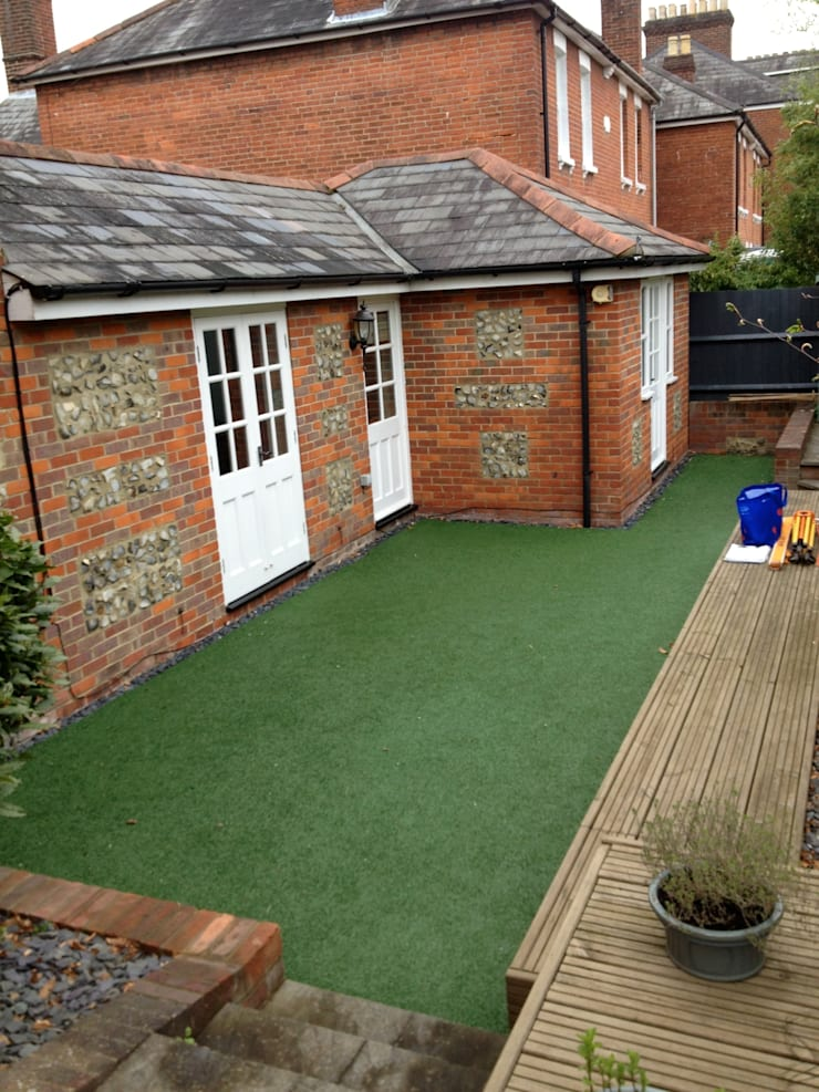 Garden before works took place :   by Amy Perkins Garden Design Ltd