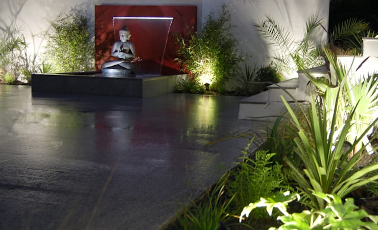 The Buddha Garden: modern Garden by Robert Hughes Garden Design