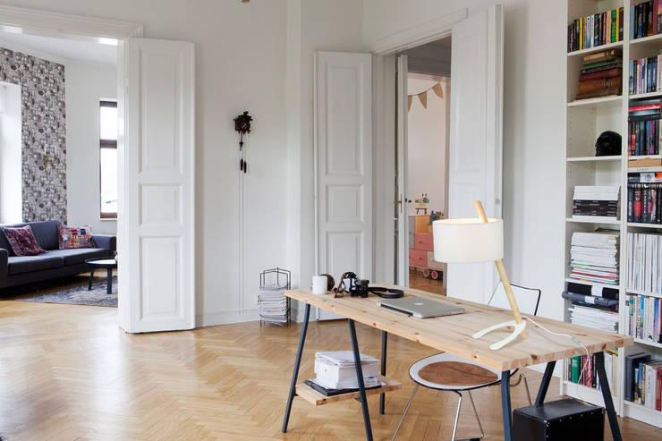Lampe FENDY: Bureau de style  par LUZ EVA