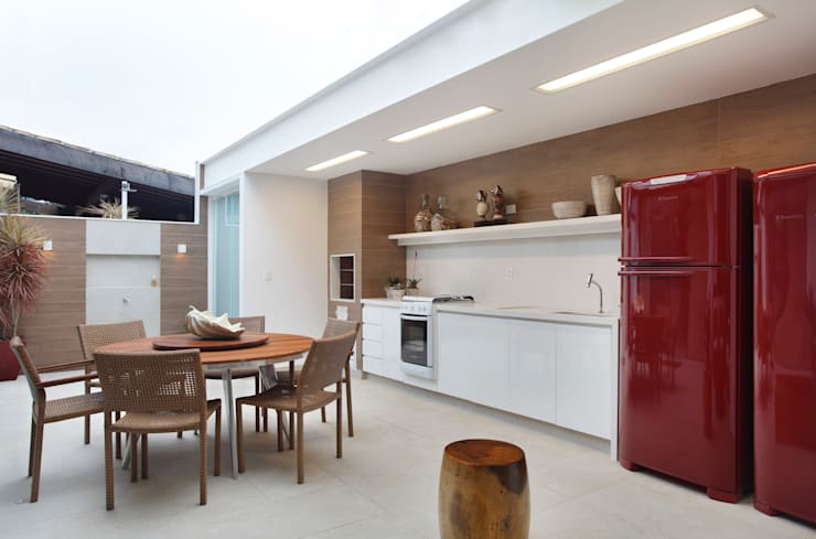Casa Búzios: Terraços  por Amanda Miranda Arquitetura