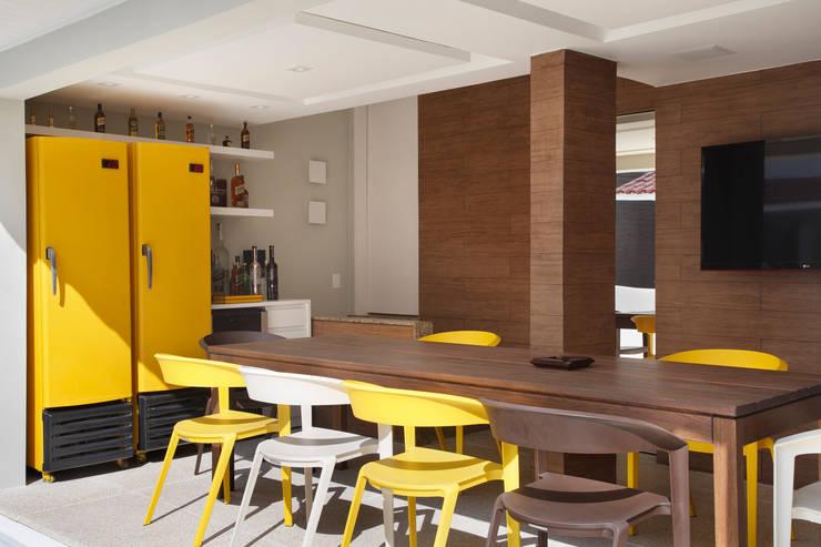 Área gourmet: Terraços  por Amanda Miranda Arquitetura