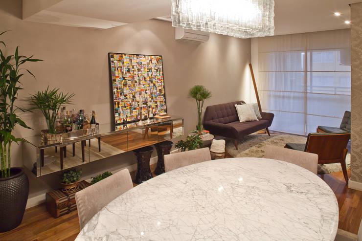 1301: Salas de jantar  por IE Arquitetura + Interiores