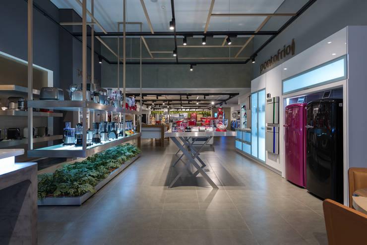 Ponto Frio JK  |  Premium Store: Lojas e imóveis comerciais  por Christiana Marques Fotografia