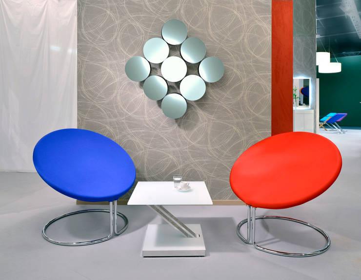 D-TEC´s Cobra Lounge Sessel: minimalistische Wohnzimmer von D-Tec Industriedesign GmbH