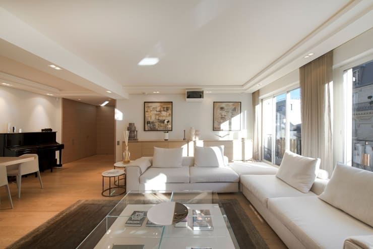 Living room by Atelier TO-AU, Modern