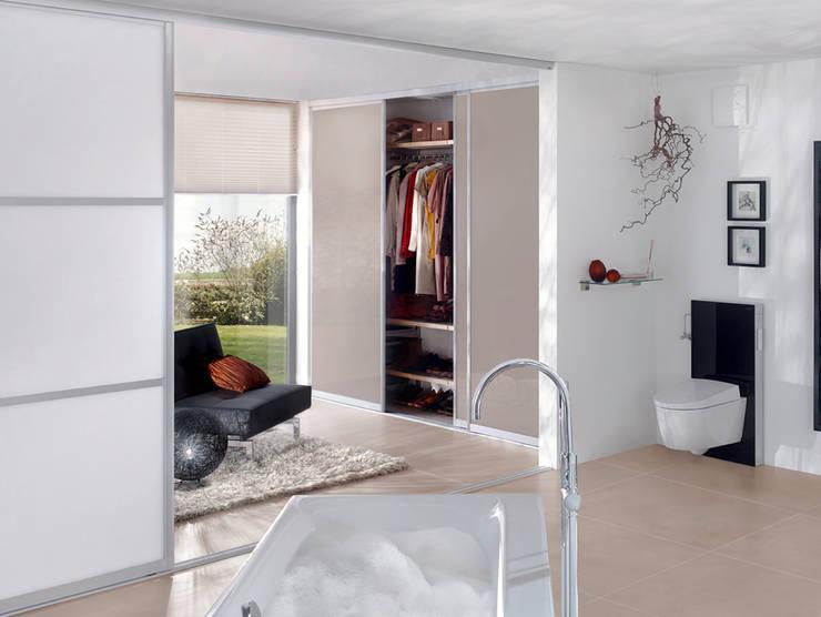 Baños de estilo  por Elfa Deutschland GmbH