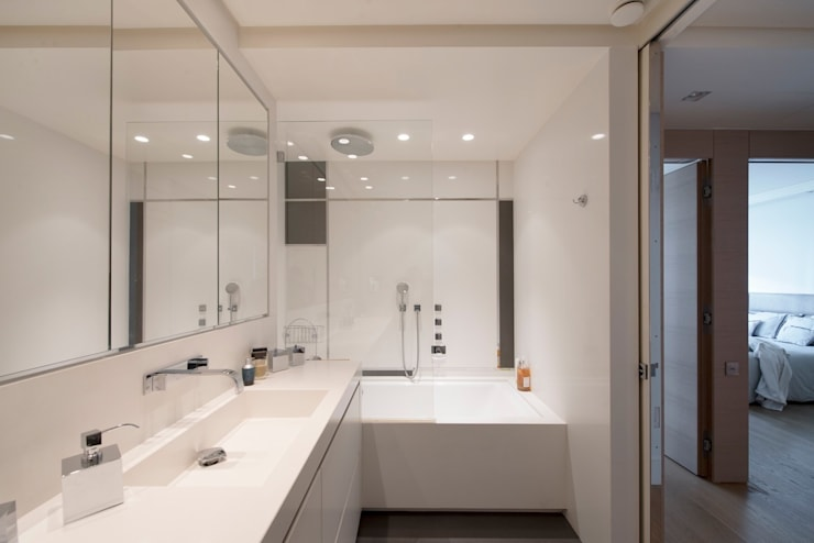 Appartement Paris XVI: Salle de bains de style  par Atelier TO-AU