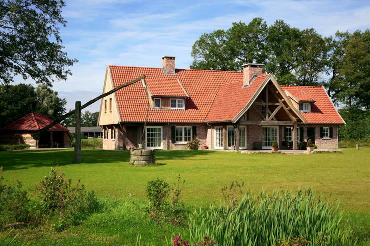 บ้านและที่อยู่อาศัย โดย Building Design Architectuur, คันทรี่