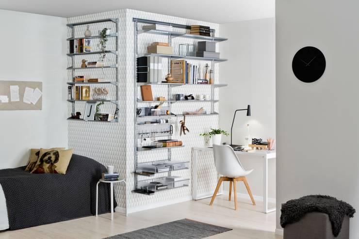 Home-Office: minimalistische Arbeitszimmer von Elfa Deutschland GmbH