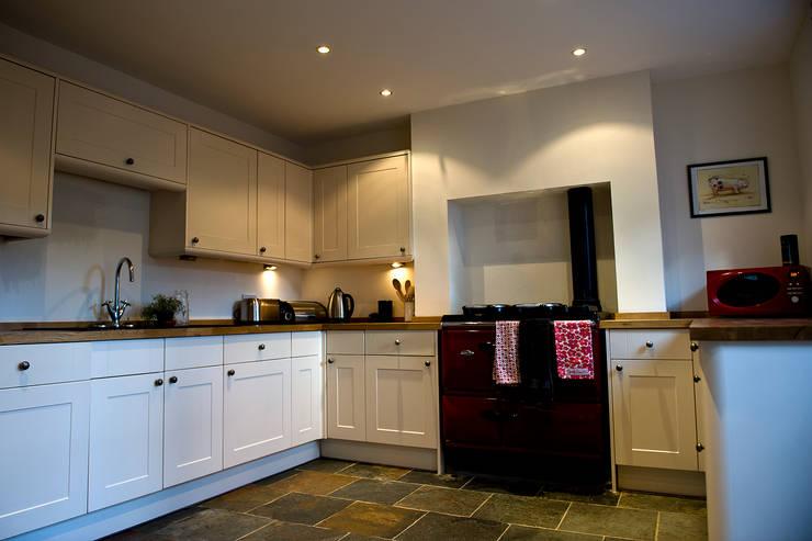 Keuken door Roundhouse Architecture Ltd