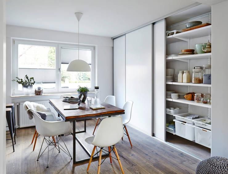 Cocinas de estilo escandinavo por Elfa Deutschland GmbH