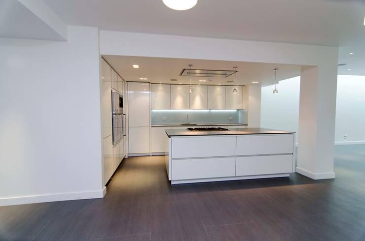 Hampstead development:  Kitchen by London Refurbishments