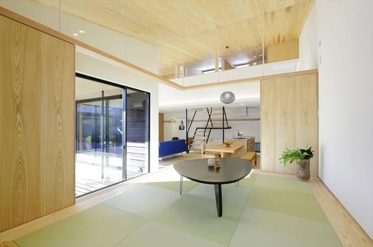 Yakisugi House: 長谷川拓也建築デザインが手掛けた和室です。