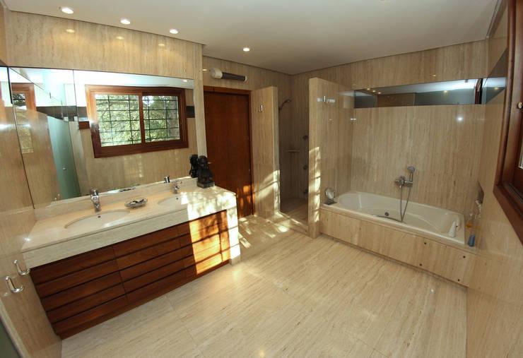 Baño: Baños de estilo  de Bernadó Luxury Houses