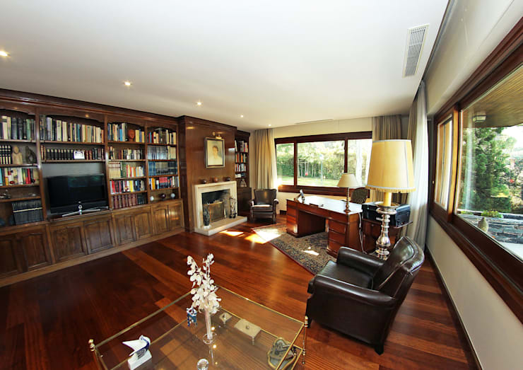 classic Living room by Bernadó Luxury Houses