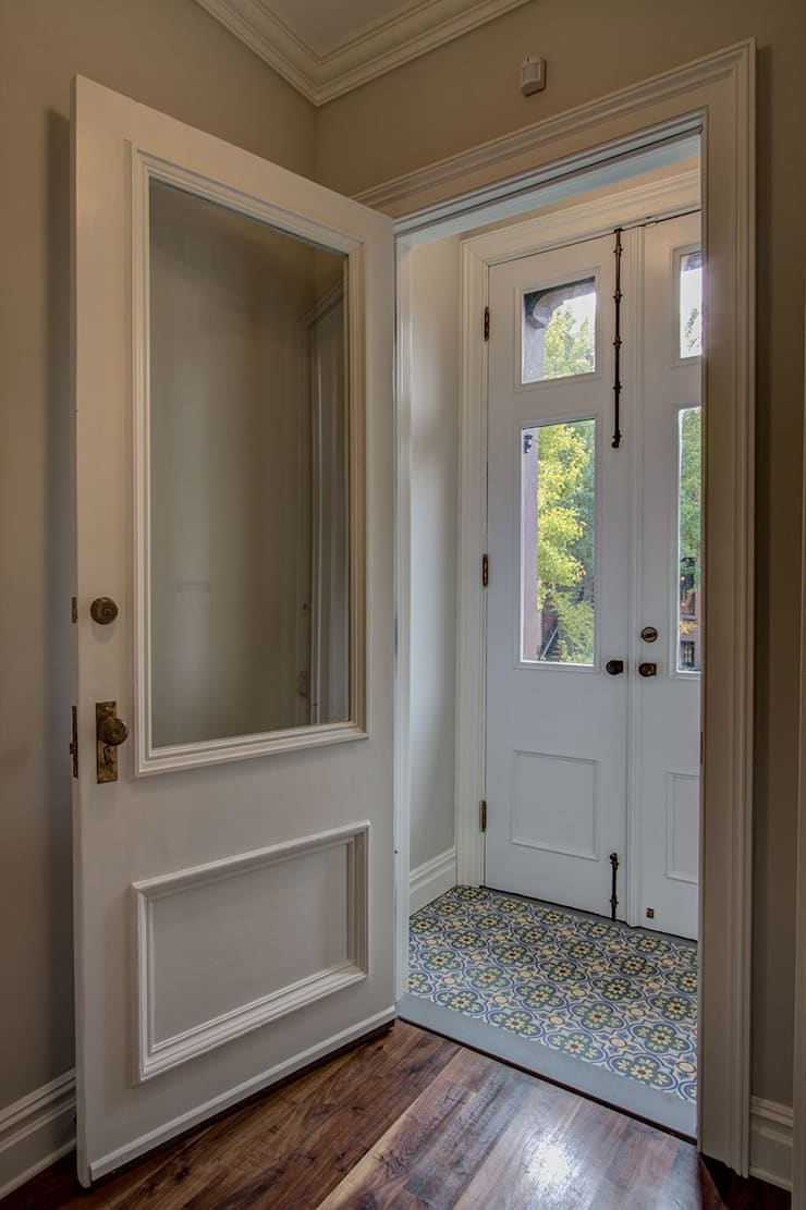 Park Slope Brownstone 3:  Corridor & hallway by Ben Herzog Architect