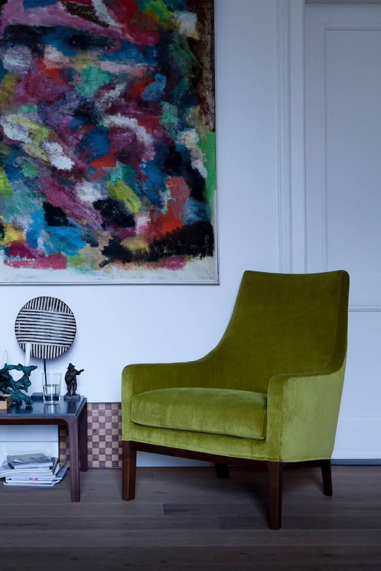 Miles by Niels Bendsten:  Living room by LINTELOO
