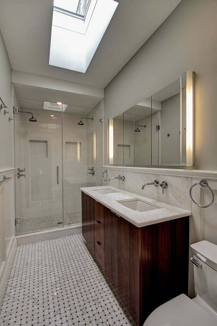 Park Slope Brownstone 3:  Bathroom by Ben Herzog Architect