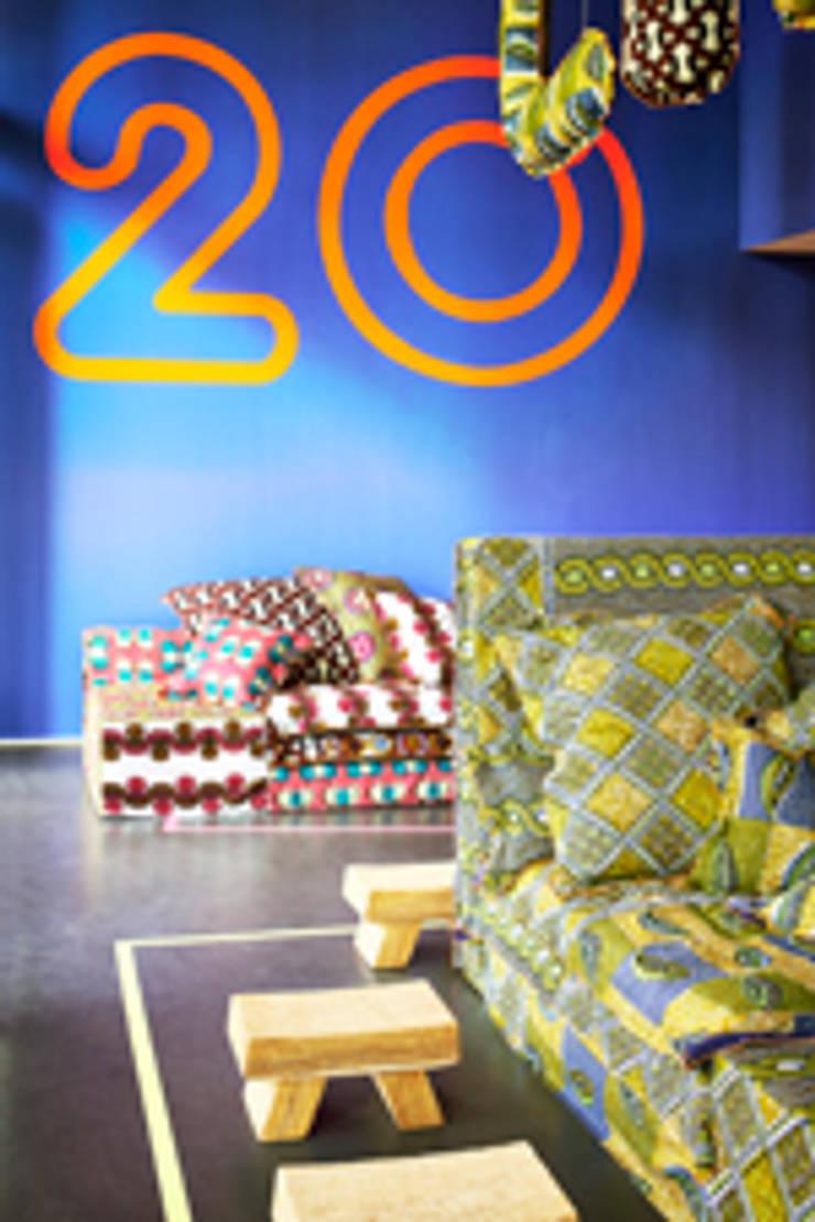 Linteloo in Milan 2014:  Living room by LINTELOO