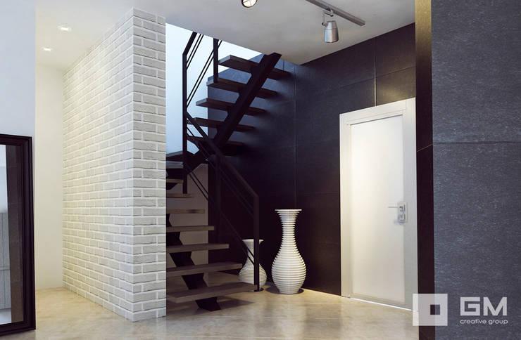 Дизайн интерьера дома по Дмитровскому шоссе,  Горки : Коридор и прихожая в . Автор – GM-interior