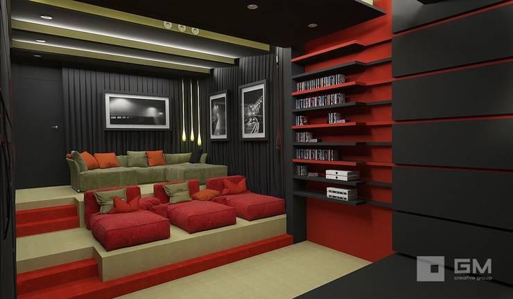 Дом по Рублево-Успенскому шоссе : Медиа комнаты в . Автор – GM-interior