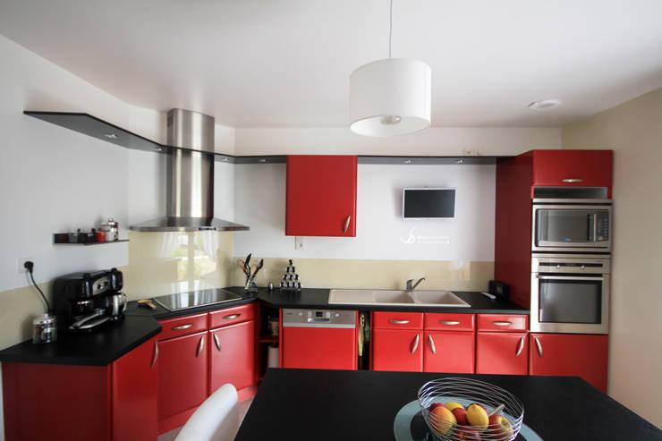 Rénovation d'une cuisine: Cuisine de style  par Violaine Denis