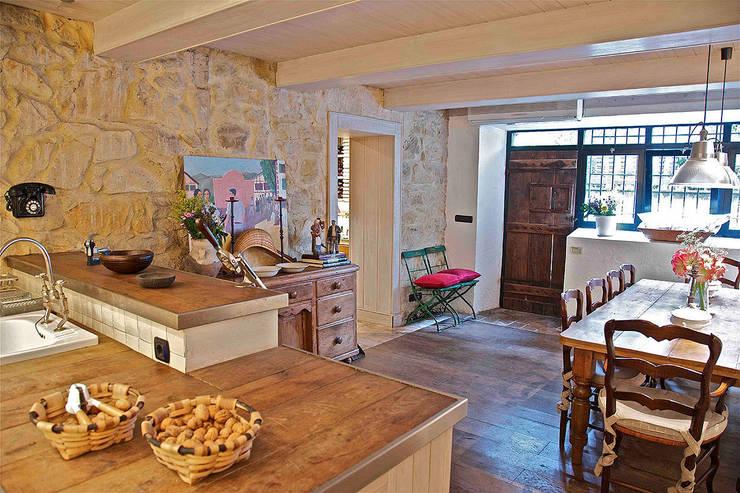 Cocinas de estilo  por Urbana Interiorismo