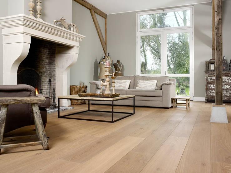 Een warme vloer bij de openhaard:  Muren door Nobel flooring