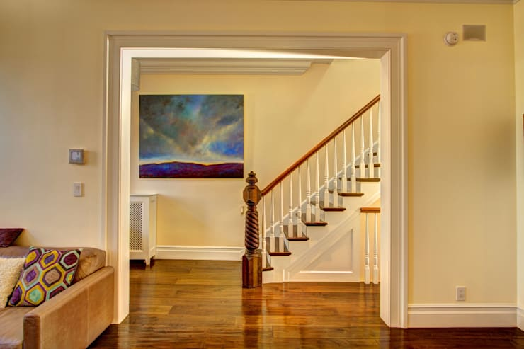 Park Slope Brownstone:  Corridor & hallway by Ben Herzog Architect