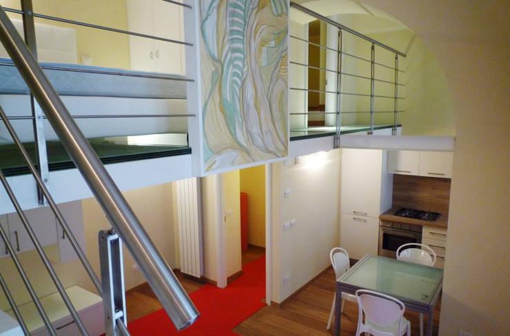 Vista soggiorno: Soggiorno in stile in stile Moderno di A3 Studio Associato di Architettura e Ingegneria di Arch. Ing. Marco Bramati e Arch. Marco Paolo Galbiati